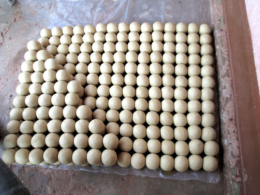 Palette de savons fabriqués par les membres de Soboyo